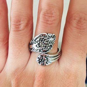 Beautiful Silvertone Spoon Ring Size 9